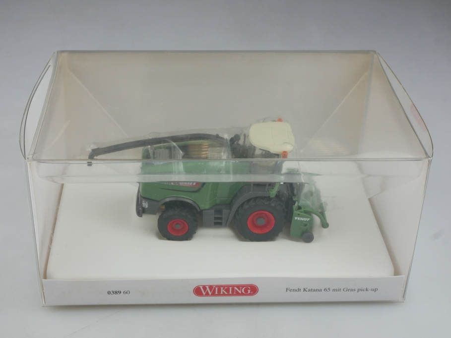 38960 Wiking 1/87 Fendt Katana 65 mit Gras Pick-up Mähdrescher mit Box 516013