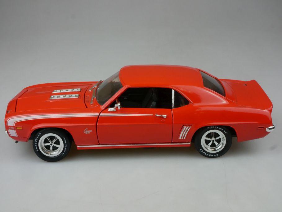 Ertl 1/18 1969 Chevrolet Chevy Camaro SS 396 diecast model 113115