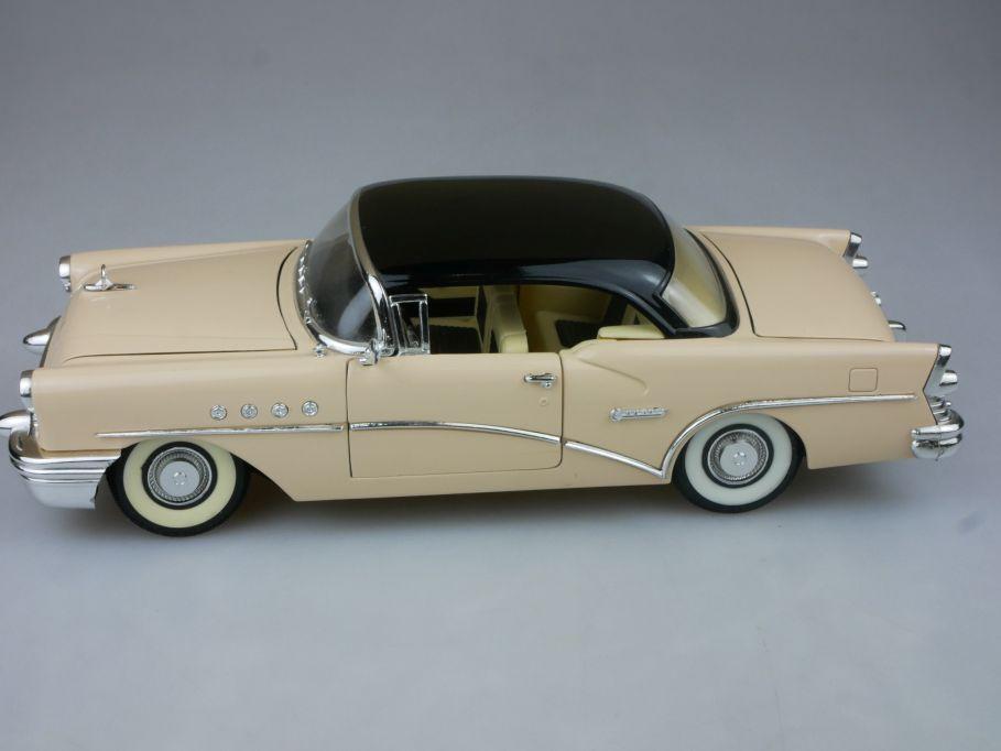 Mira 1/18 1955 Buick Century diecast model 113116