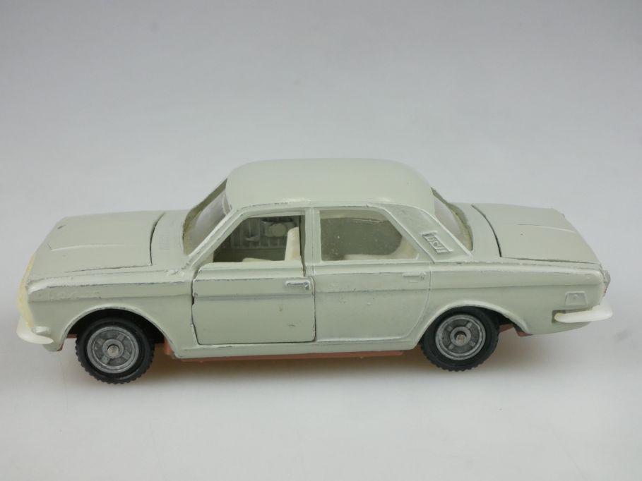 CCCP USSR 1/43 Wolga M24-01 Volga soviet car Modellauto Novoexport 114311
