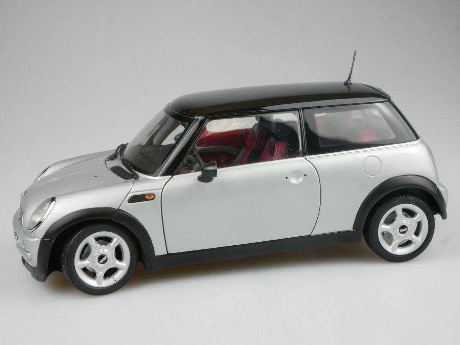 Kyosho 1/18 Mini Cooper silber schwarz diecast Modell 114360
