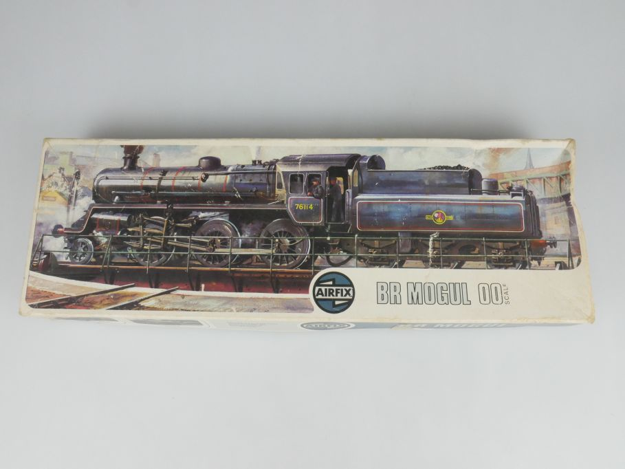 Airfix H0 / 00 BR Mogul British Railways 2.6.0. Dampflok Lok kit + Box 115097