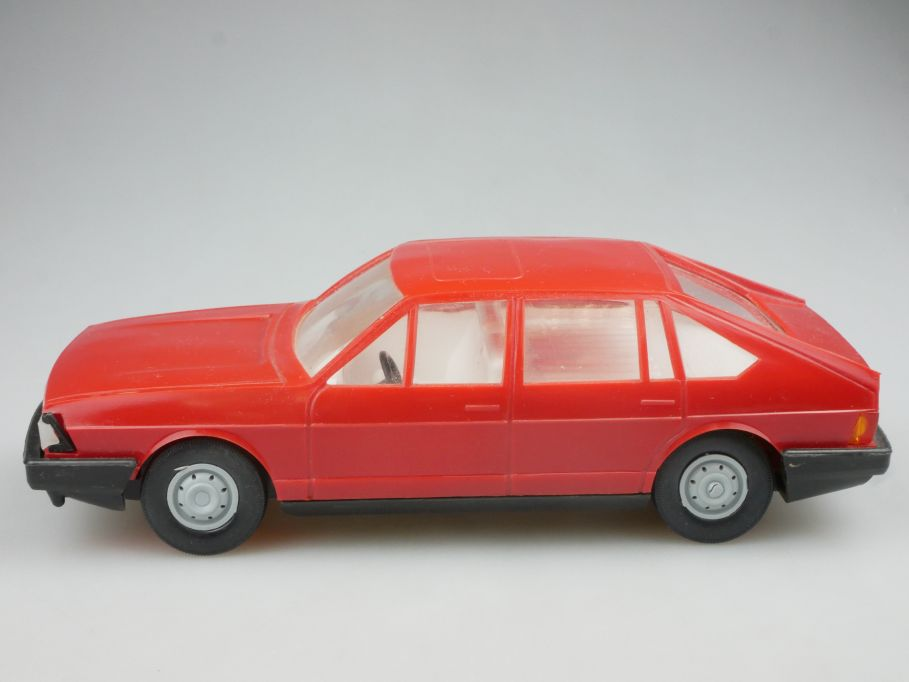 Anker VEB 1/25 Audi 100 Avant LSE DDR Ostalgie Modellauto 114534