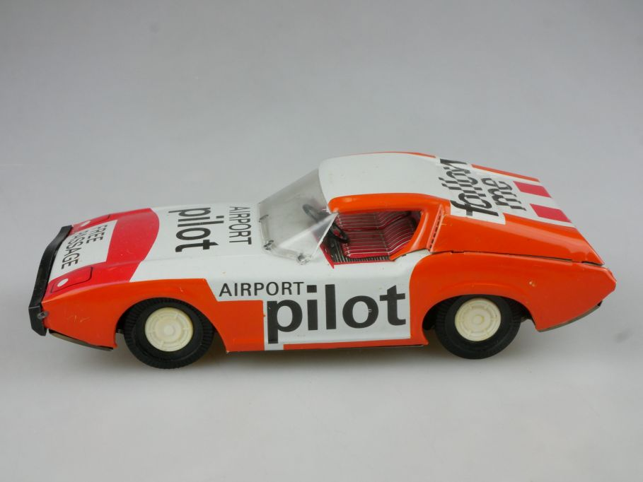 Ehri DDR Spielzeug Airport pilot follow me Friktion Blech tin toy  114804