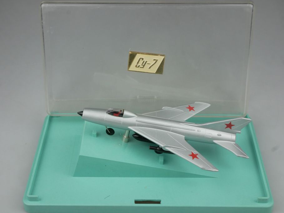 CCCP USSR 1/120 Suchoi SU-7 Bomber Cy-7 jet plane Flugzeug soviet DDR Box 114849