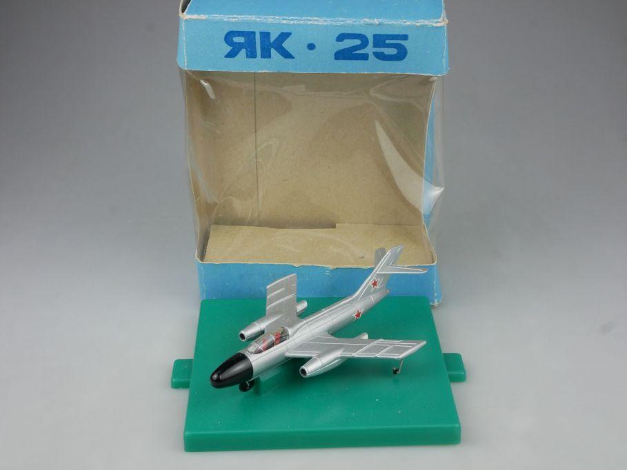 CCCP USSR 1/120 Jakowlew Jak 25 fighter jet plane Flugzeug soviet DDR Box 114853