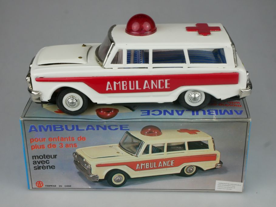 MF 111 Blech Ford Ambulance tin toy 20cm Red China + Box 115325