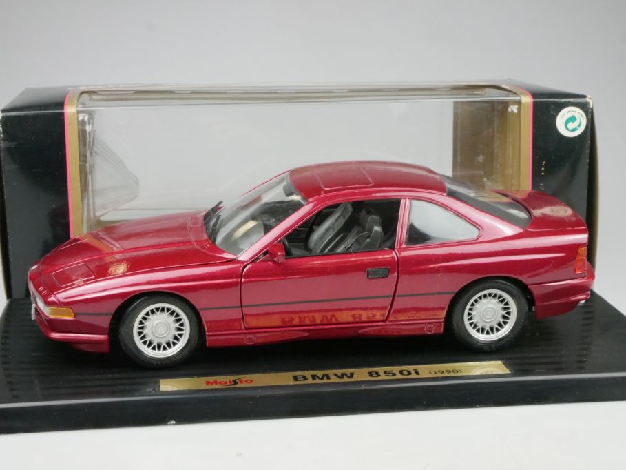 Maisto 1/18 BMW 850i 1990 diecast Modell + Box 115691