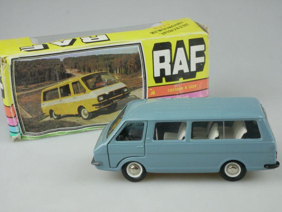 CCCP USSR 1/43 RAF 2203 Soviet Latvija Kleinbus microbus Novoexport + Box 116181