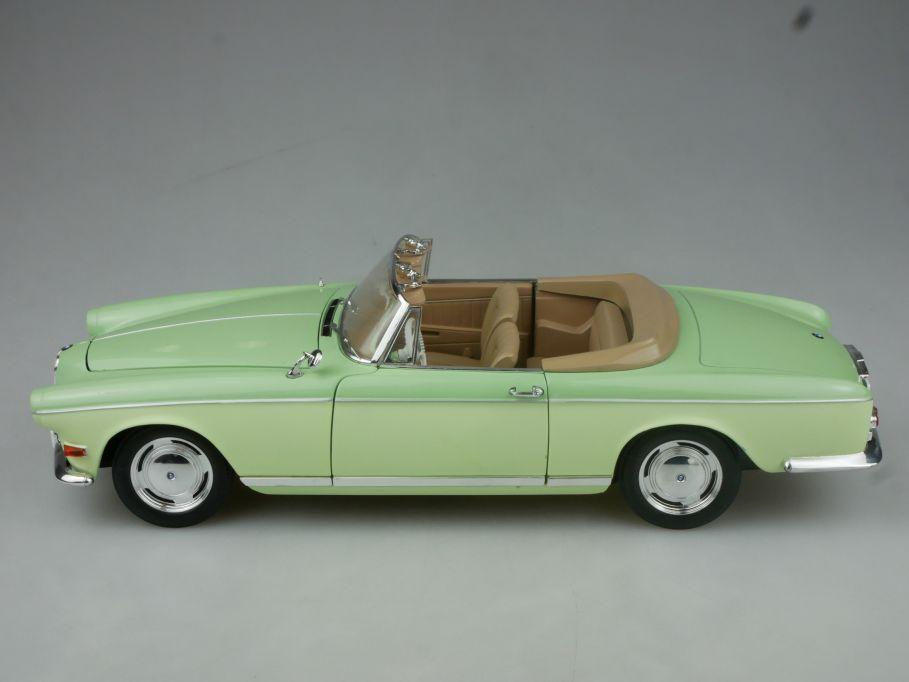 JADI 1/18 BMW 503 Cabriolet hellgrün diecast model 116414