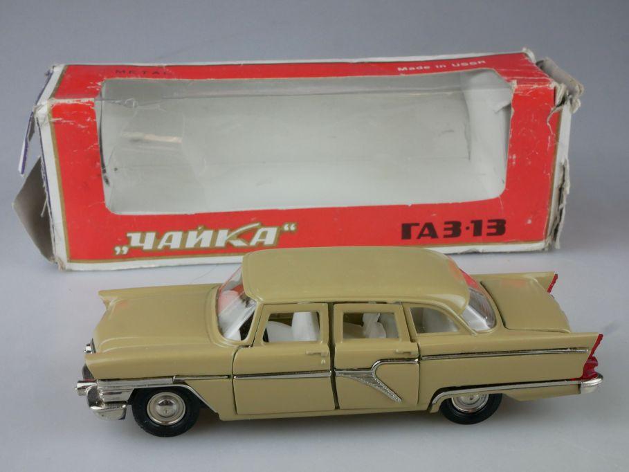 CCCP USSR 1/43 Tschaika Gaz 13 beige Чайка soviet Novoexport + Box 116492