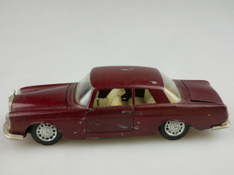 Auto Pilen 1/43 Mercedes 250 Coupe model 116555